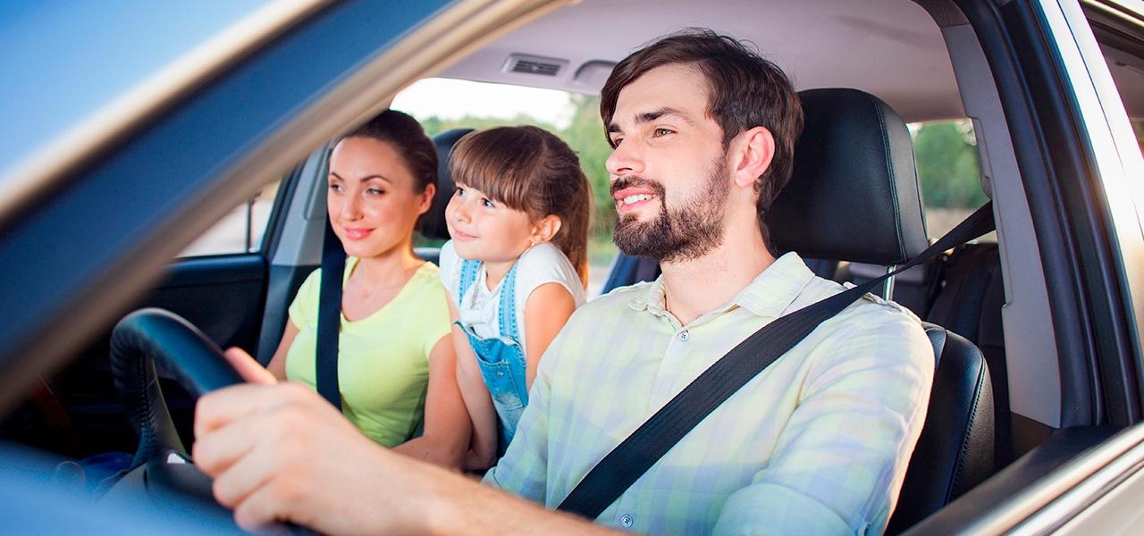 ¿Viajes largos en carretera? Aprende cómo mejorar la seguridad de tu pequeño en el carro .jpg