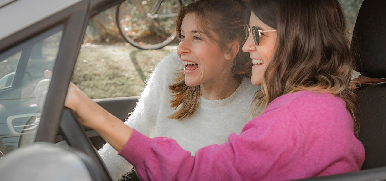 2. ¡Evita a toda costa estos 6 hábitos mientras conduces!