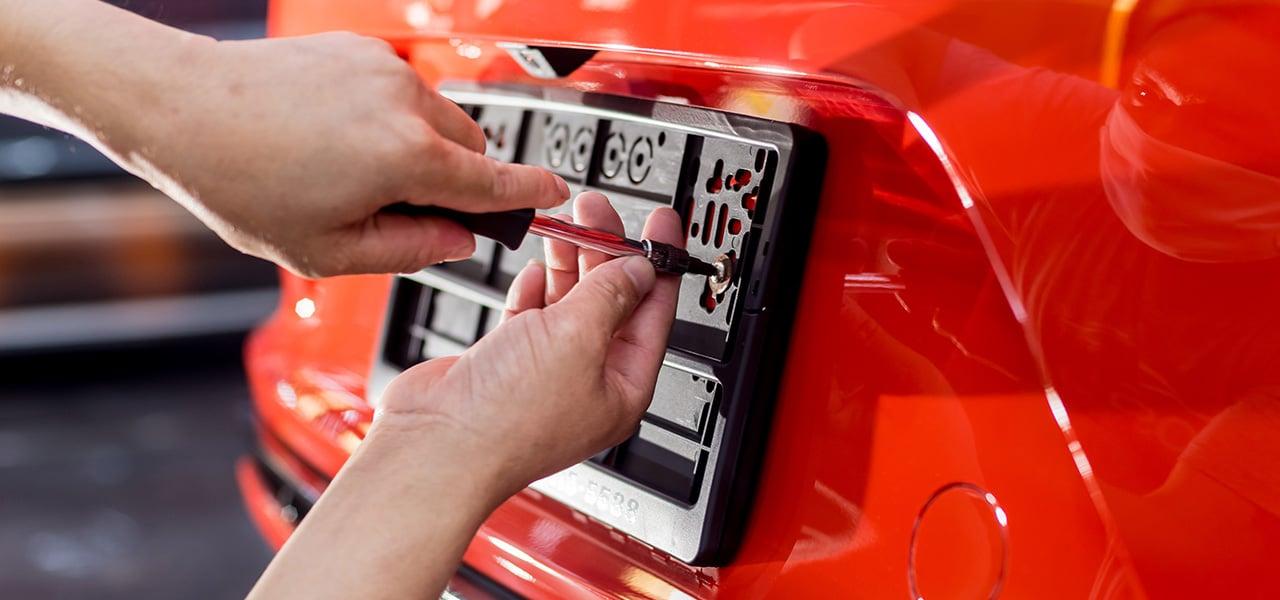 ¿Por qué debes actualizar la información de tu vehículo con la aseguradora al recibir tus placas metálicas?