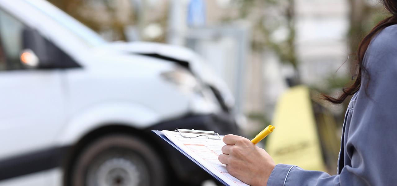 Asesoría legal: un beneficio de tu seguro de carro