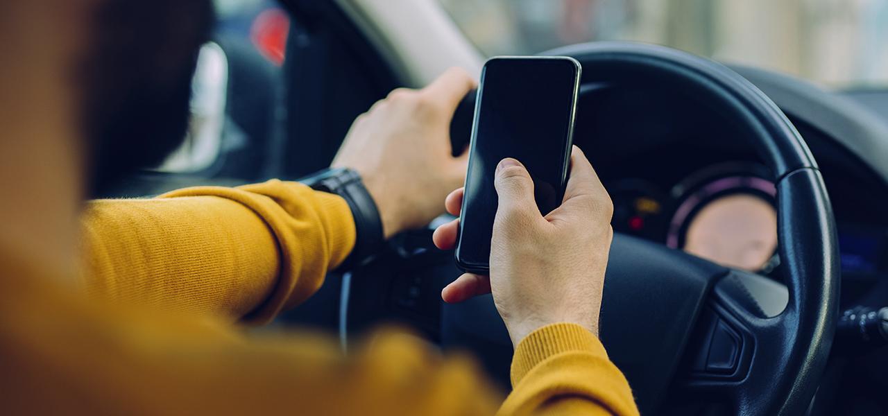 Seguridad vial: evita estos malos hábitos al conducir