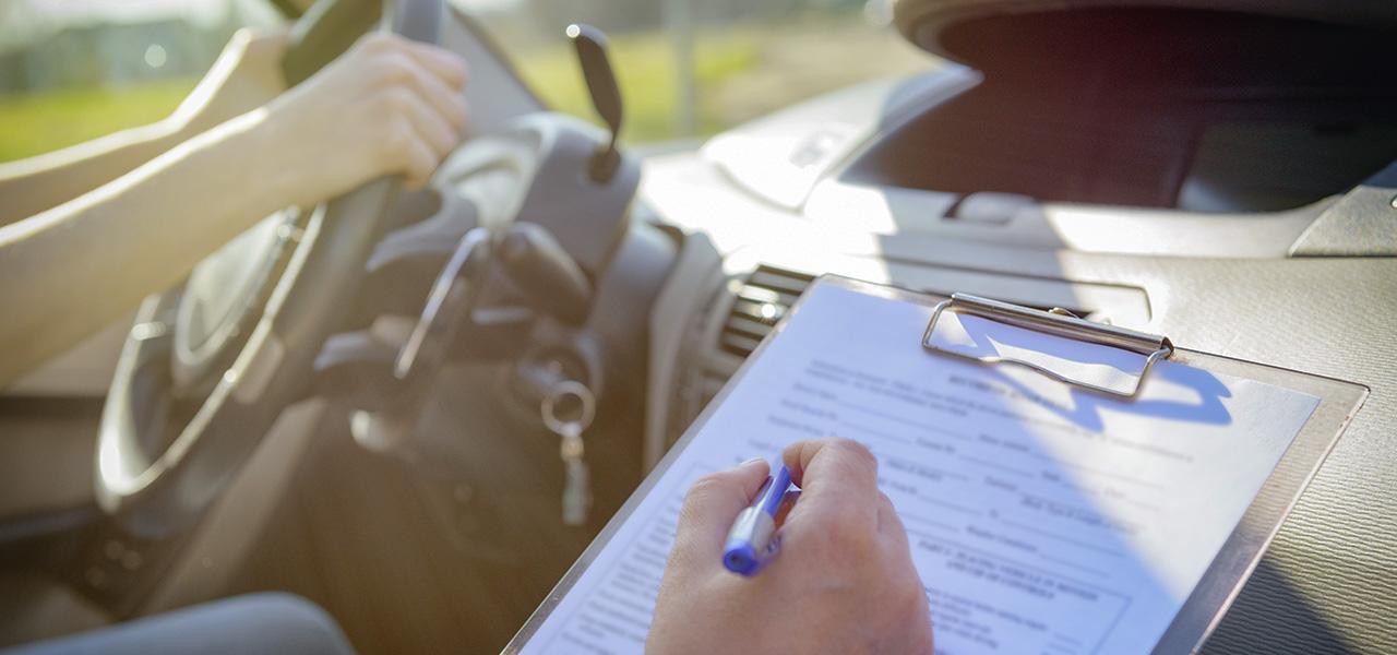 El ABC de tu primera licencia de conducir